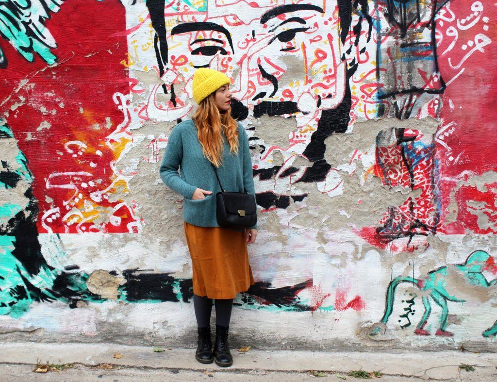 Pullover: Maska, Leggins: Armedangels, Ledertasche: O My Bag, Mütze: INTI